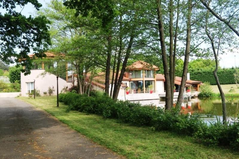 Vente de prestige maison / villa Saint-vincent-de-boisset 832000€ - Photo 3