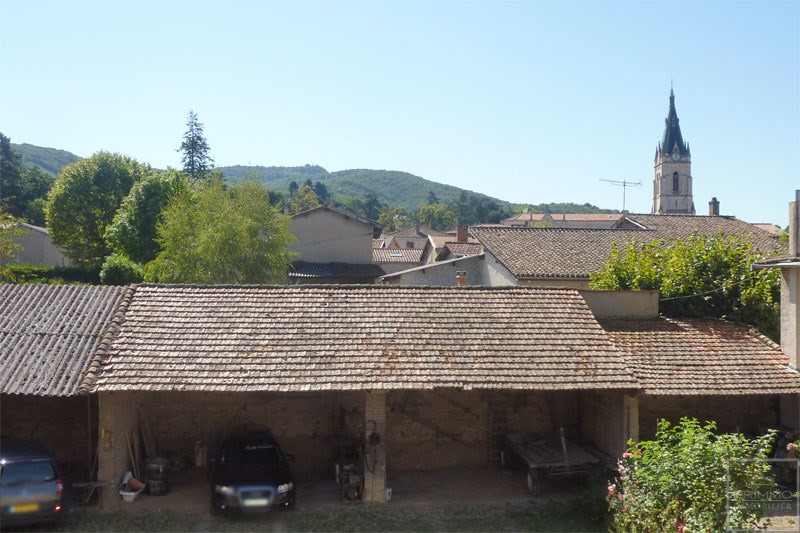 Rental apartment Chasselay 895€ CC - Picture 1