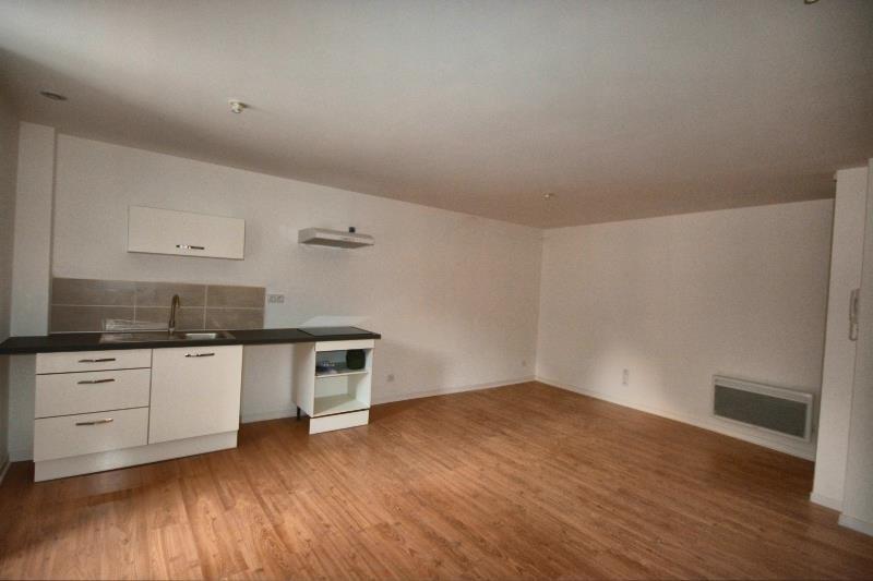 Verhuren  appartement Morestel 450€ CC - Foto 2