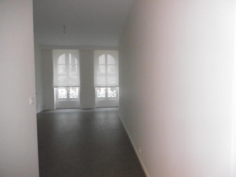 Location appartement Lyon 1er 1192€cc - Photo 1