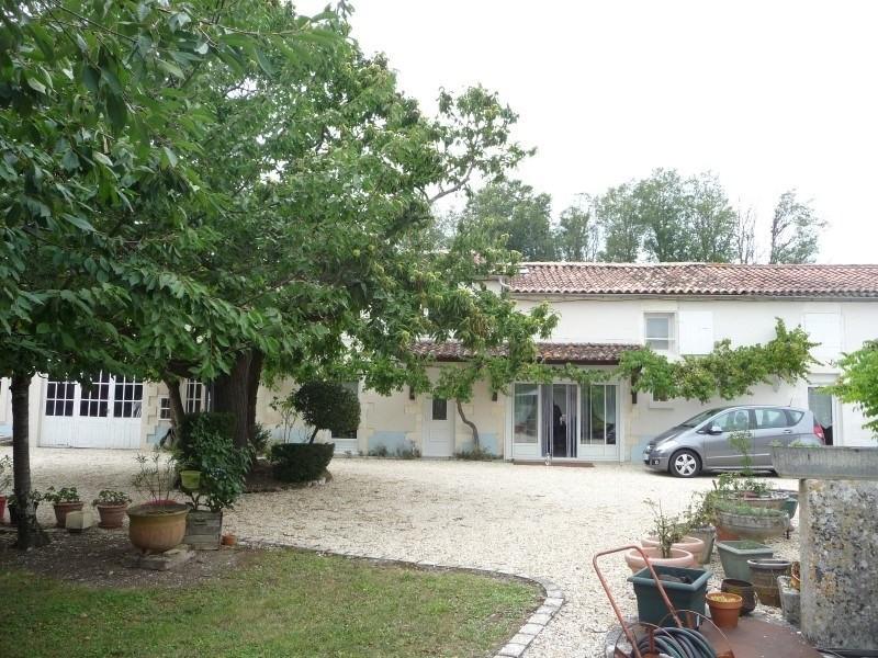 Sale house / villa Reparsac 160500€ - Picture 2