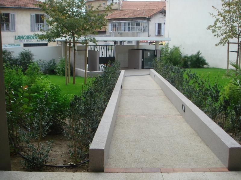 Location appartement Nimes 560€ CC - Photo 2