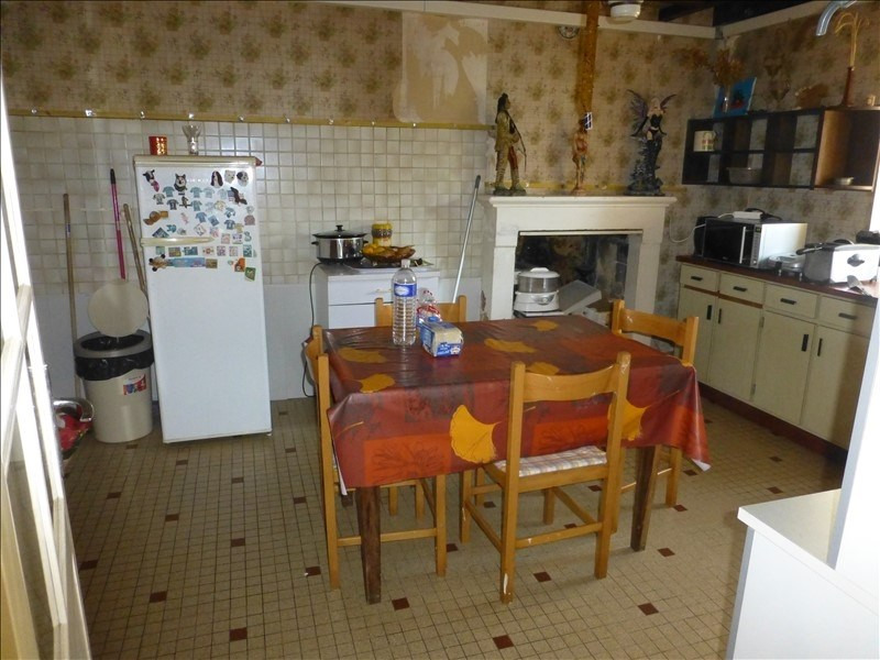 Sale house / villa St jean d angely 107 000€ - Picture 2