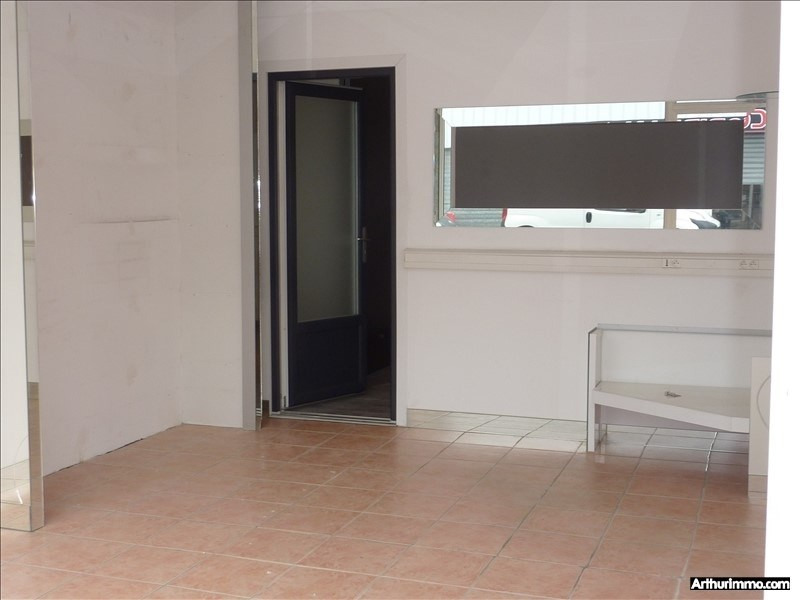 Location local commercial Frejus 1 200€ +CH/ HT - Photo 2