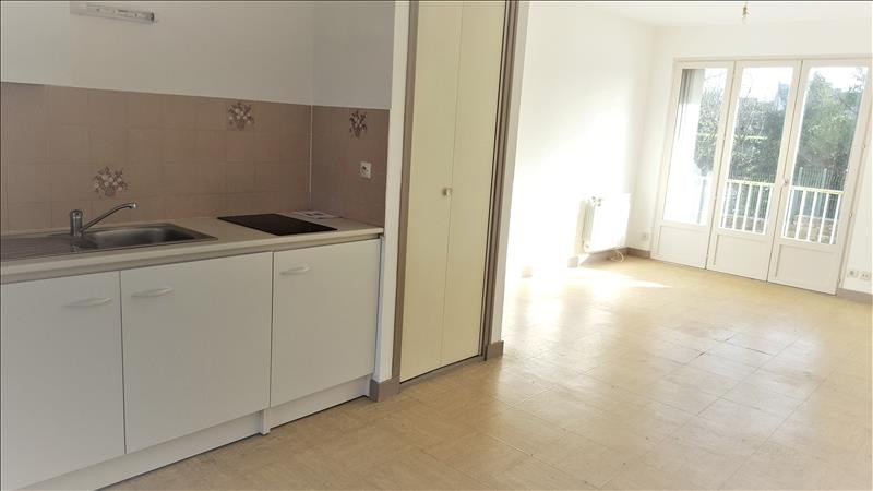 Location appartement Quimperle 322€ CC - Photo 3