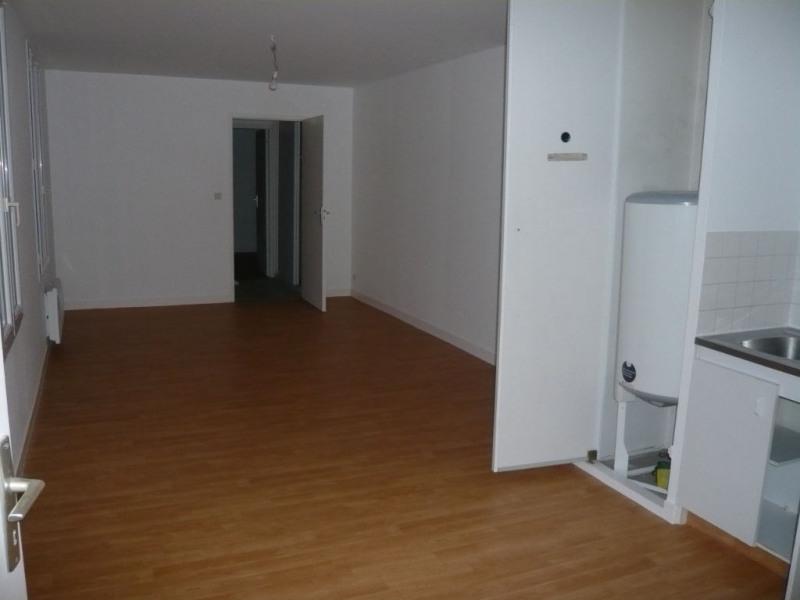 Rental apartment Laval 355€ CC - Picture 1