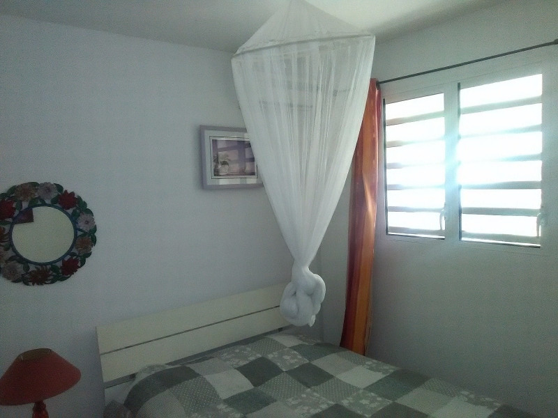 Investment property house / villa Trois rivieres 390000€ - Picture 8