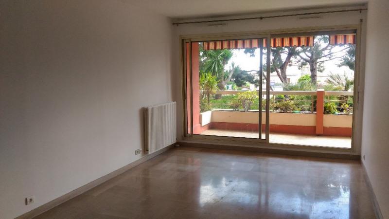 Location appartement Saint laurent du var 920€ CC - Photo 2