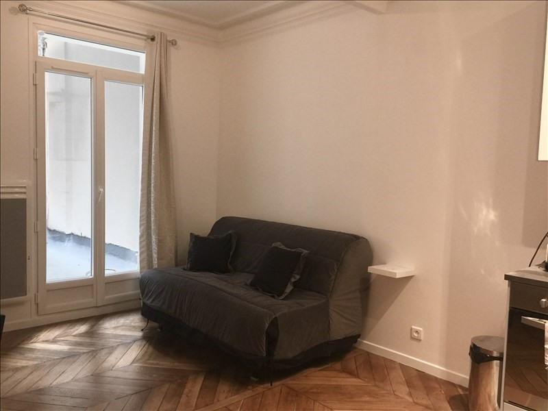 Rental apartment Paris 10ème 1000€ CC - Picture 2