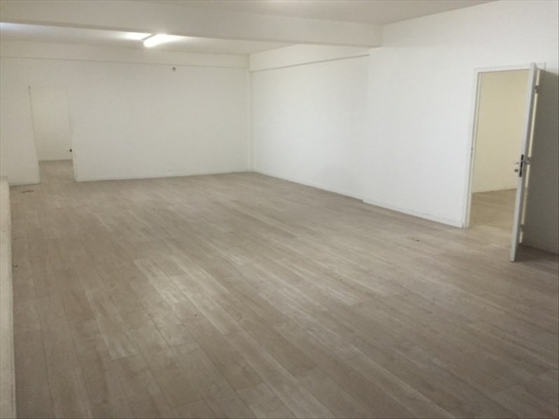 Location local commercial Aubervilliers 3 767€ HT/HC - Photo 3