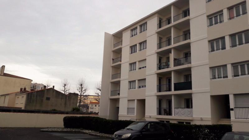 Sale apartment Les sables d olonne 194000€ - Picture 1