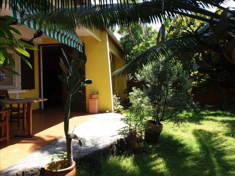 Sale house / villa Sainte clotilde 370000€ - Picture 1