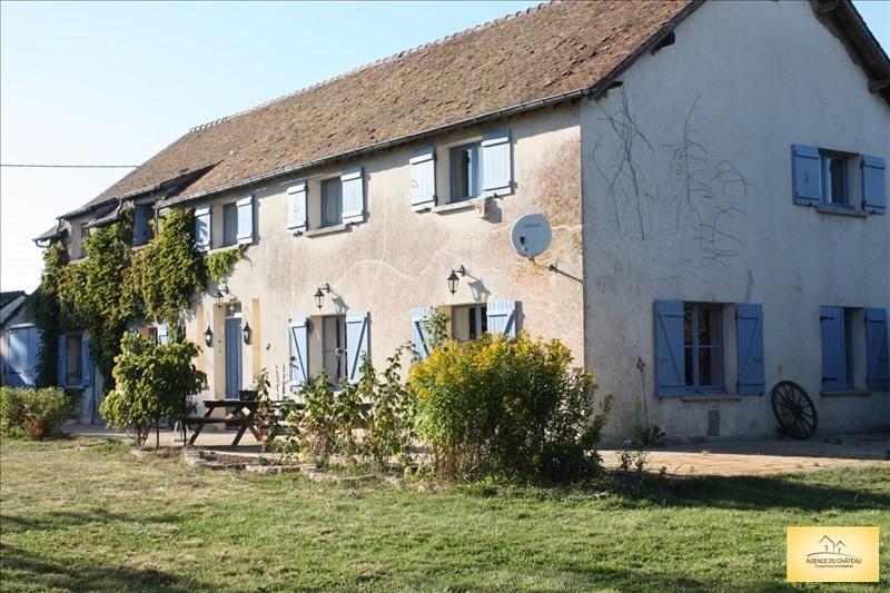 Sale house / villa Longnes 353000€ - Picture 1
