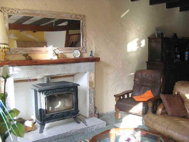 Vente maison / villa Aigre 66 000€ - Photo 3