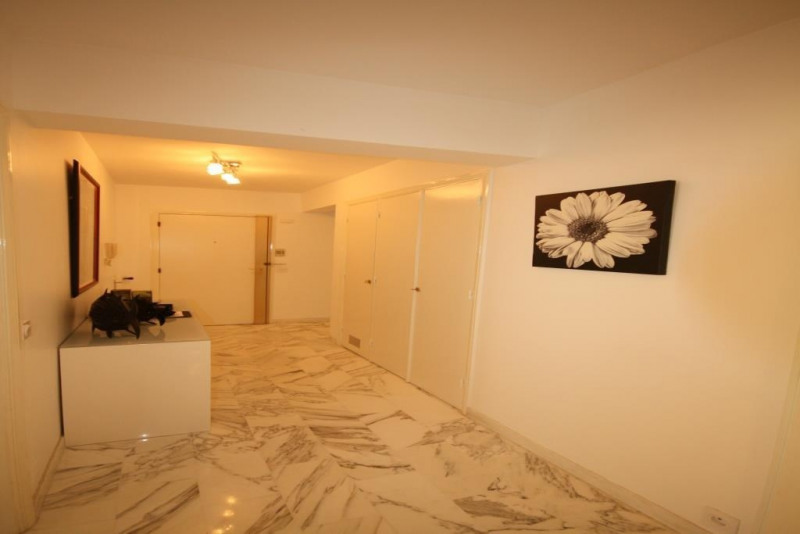 Vacation rental apartment Juan les pins  - Picture 6