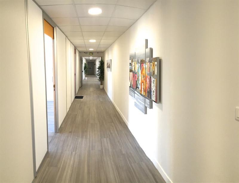 location bureau montigny le bretonneux yvelines 78 57 m r f rence n sqy3. Black Bedroom Furniture Sets. Home Design Ideas