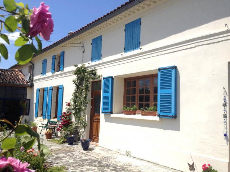 Vente maison / villa Burie 245 575€ - Photo 1