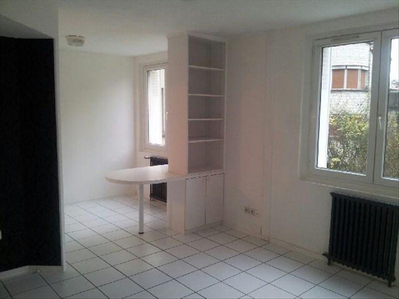 Rental apartment Angoulême 405€ CC - Picture 1