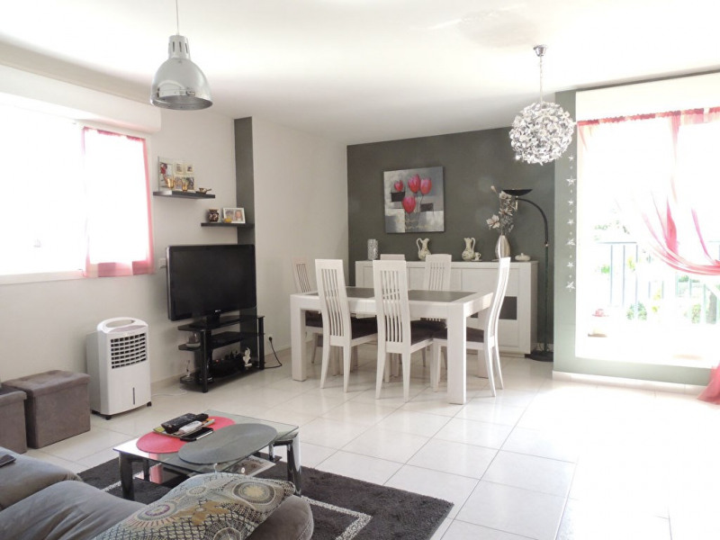 Sale apartment Royan 250 000€ - Picture 2