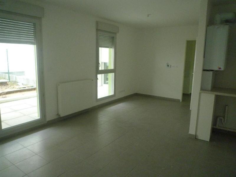 Rental apartment Saint fons 560€ CC - Picture 3