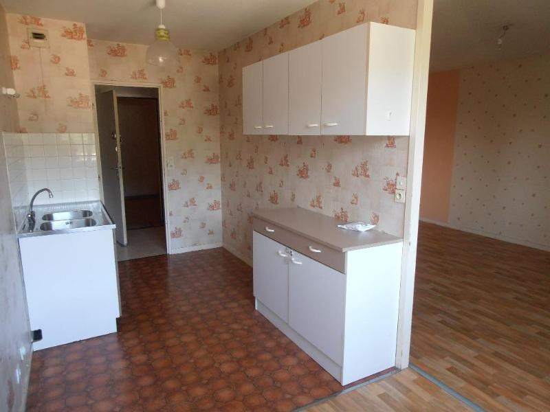 Location appartement Bellignat 629€ CC - Photo 3