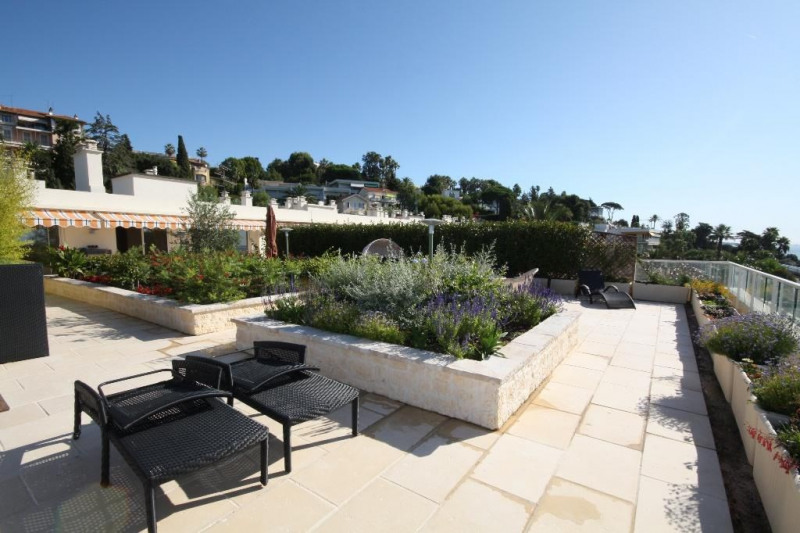 Deluxe sale apartment Cannes 1990000€ - Picture 4