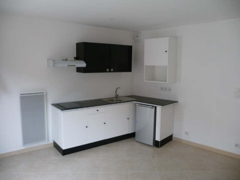 Rental apartment Menton 544€ CC - Picture 2