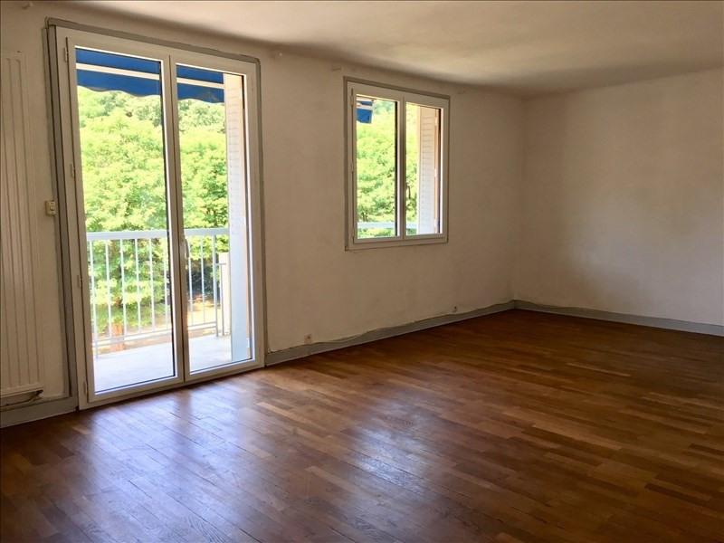 Rental apartment Charbonnieres les bains 690€ CC - Picture 1