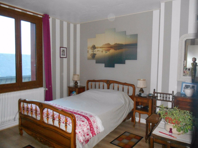 Sale house / villa Oudeuil 333000€ - Picture 9
