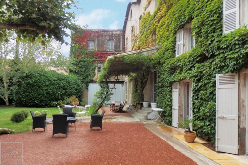 Deluxe sale house / villa Guereins 680000€ - Picture 1
