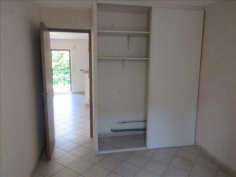 Locação apartamento Voiron 417€ CC - Fotografia 5