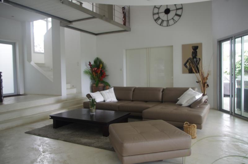 Deluxe sale house / villa St gilles les bains 898000€ - Picture 2