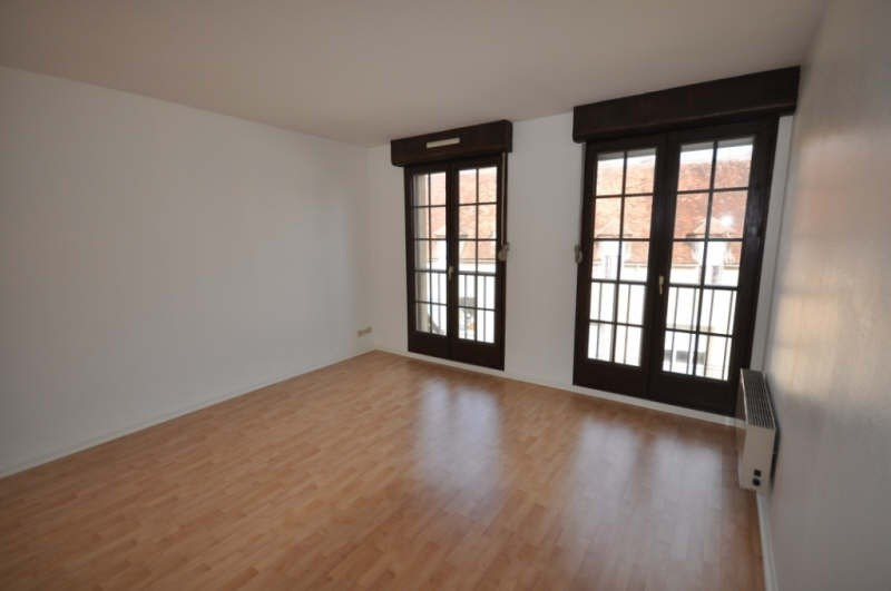 Location appartement Auxerre 359€ CC - Photo 2