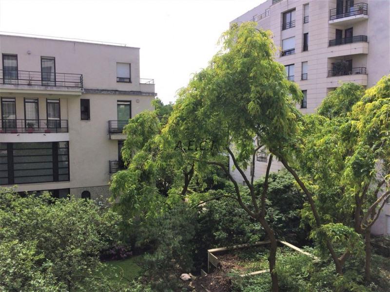 Sale apartment Courbevoie 598000€ - Picture 1