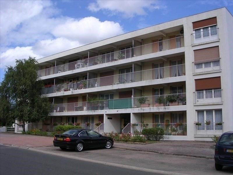 Rental apartment Auxerre 598€ CC - Picture 1