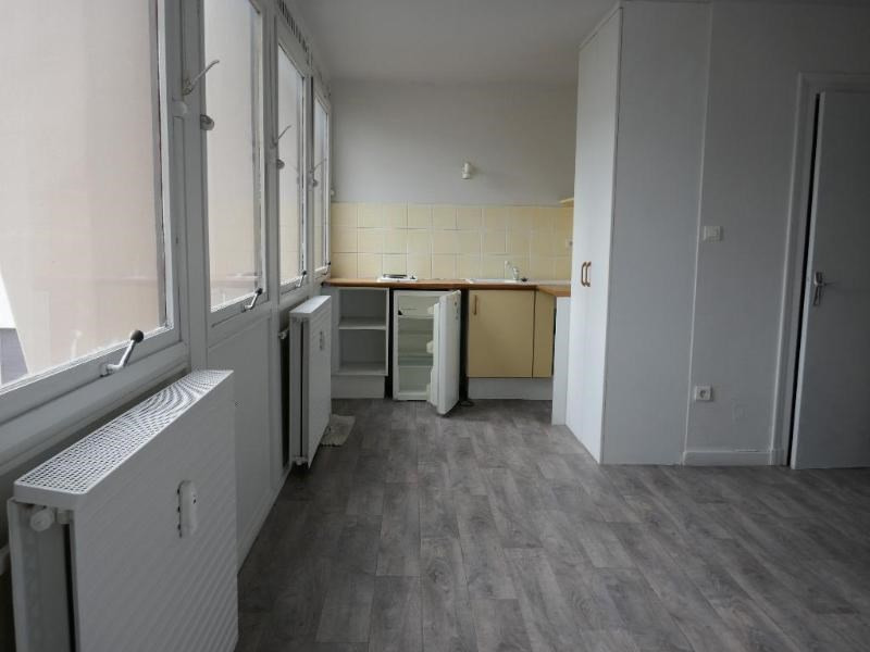 Location appartement Oyonnax 345€ CC - Photo 1