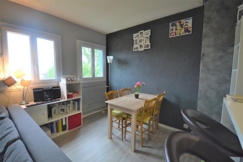 Rental apartment Maurepas 730€ CC - Picture 3