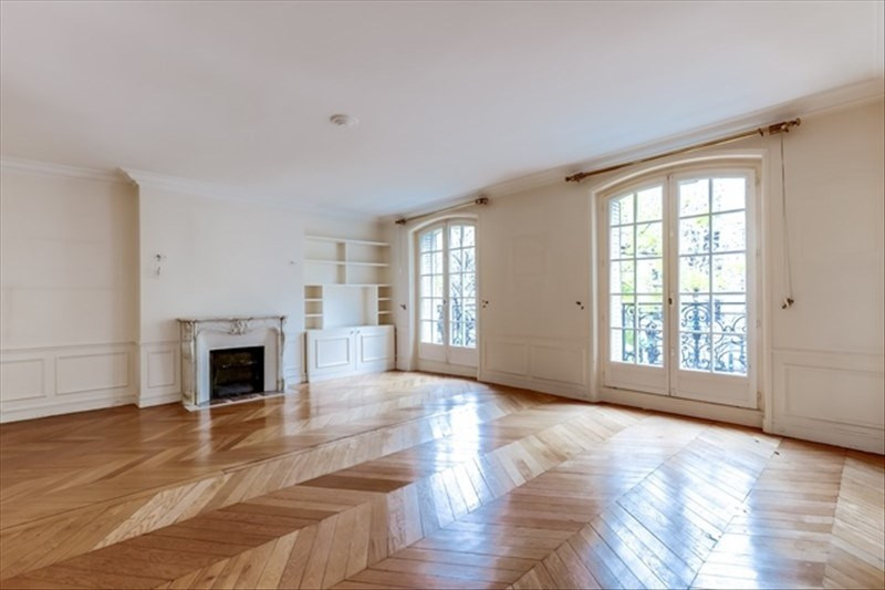 Sale apartment Paris 18ème 999000€ - Picture 1