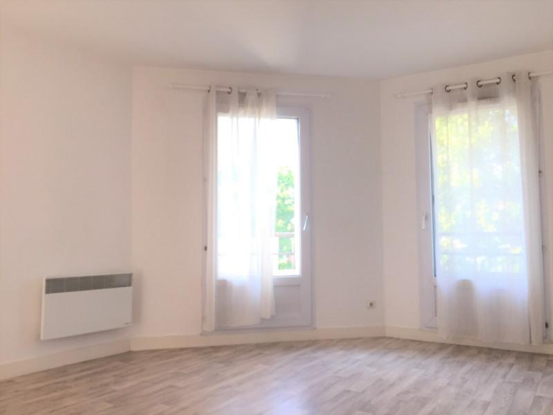 Rental apartment Pierrelaye 691€ CC - Picture 2