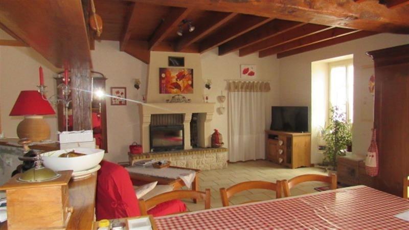 Sale house / villa Saint-jean-d'angély 122400€ - Picture 3