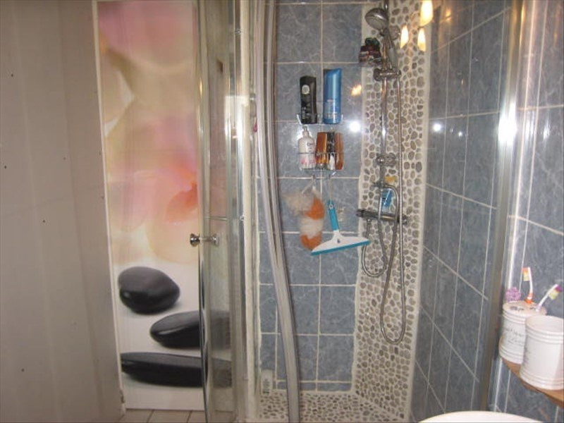 Sale house / villa Puy guillaume 70850€ - Picture 2