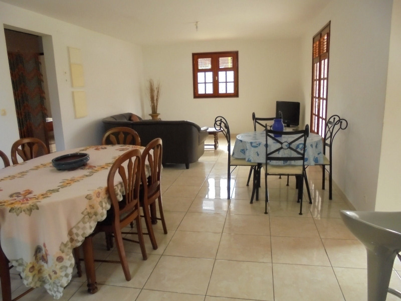 Rental apartment Capesterre belle eau 890€ CC - Picture 2