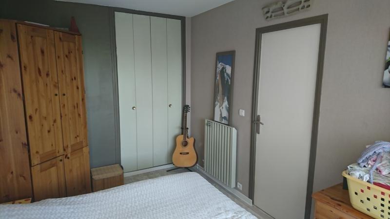 Sale apartment Bois d arcy 245000€ - Picture 2