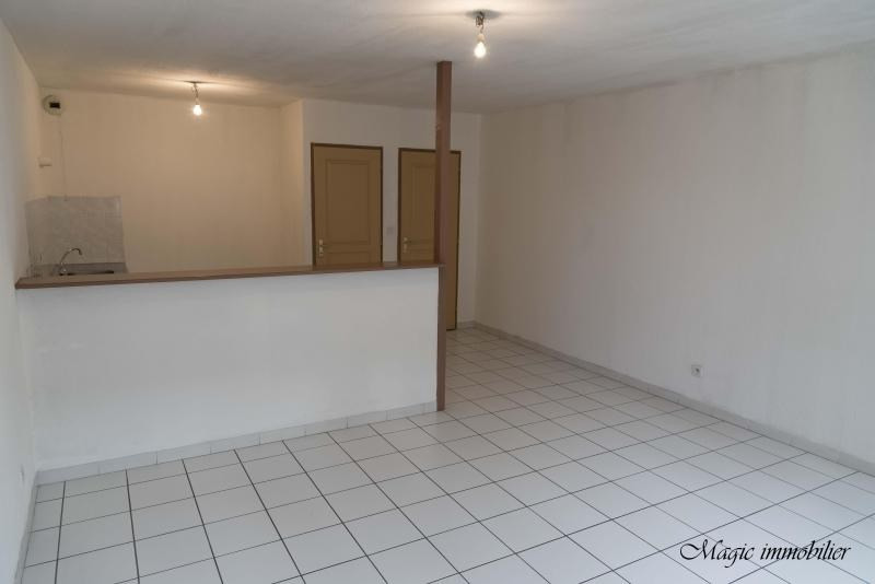 Rental apartment Nantua 371€ CC - Picture 2