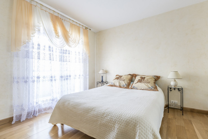 Deluxe sale apartment Levallois-perret 1 380 000€ - Picture 9