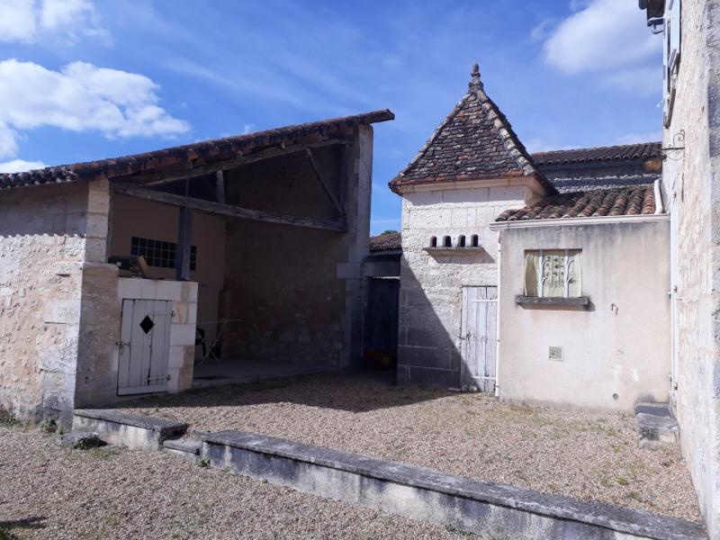 Sale house / villa Blanzaguet-saint-cybard 156600€ - Picture 2