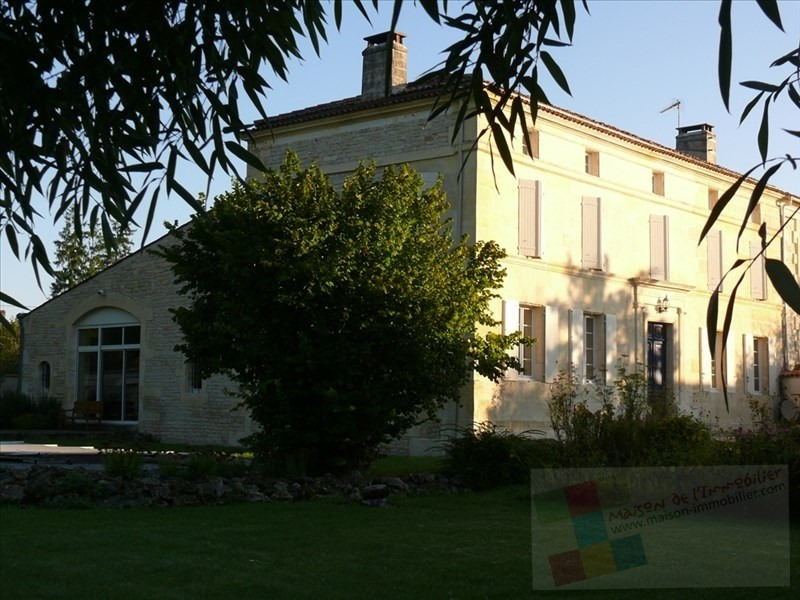 Sale house / villa Mesnac 434600€ - Picture 1