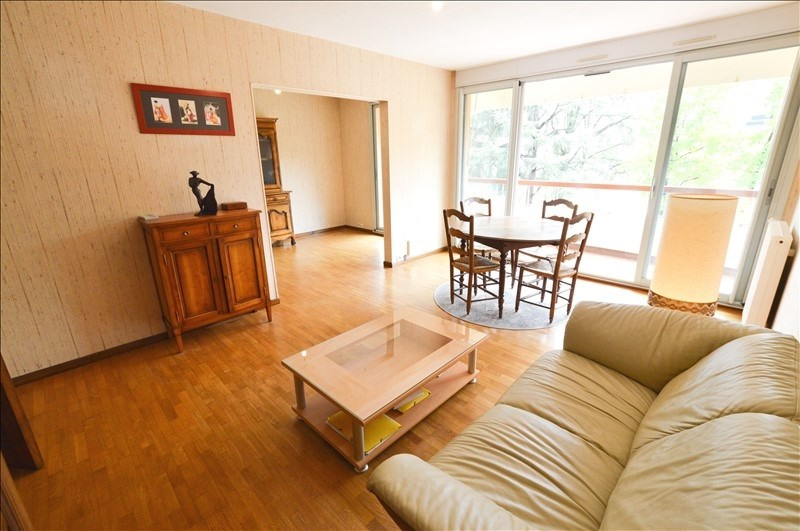 Sale apartment Pau 160 000€ - Picture 1