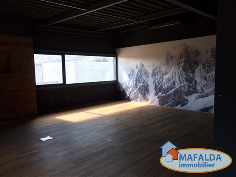 Location local commercial Sallanches 3960€ HT/HC - Photo 3