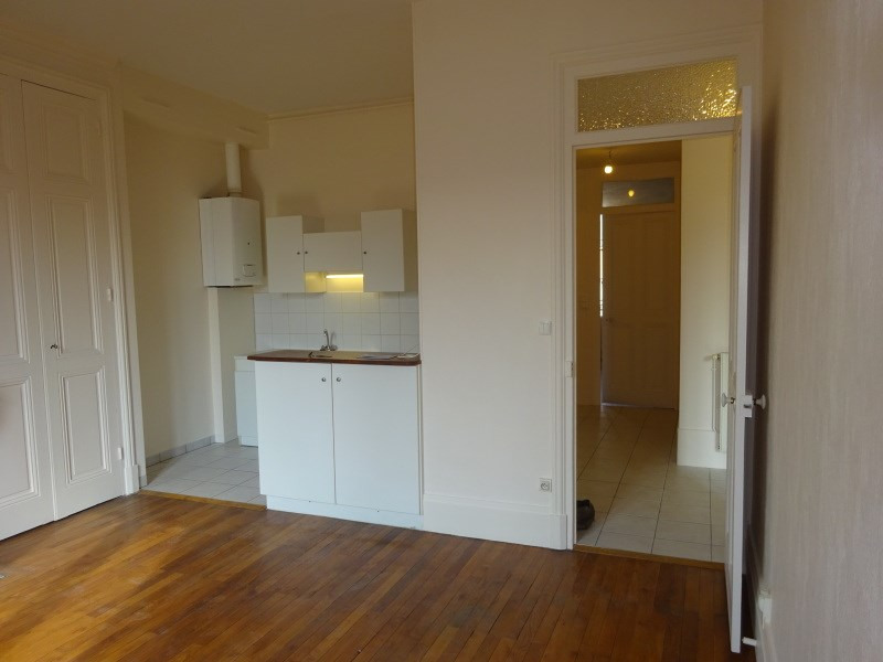 Rental apartment Oullins 720€ CC - Picture 1